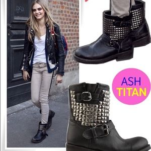 ASH nWOT Titan Studded Leather Short Moto Boots